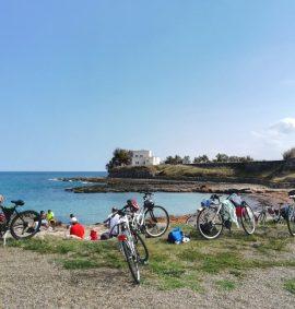 In bici nell'antico porto di Egnazia
